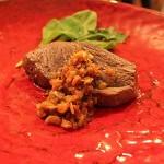 エゾシカステーキ セロリとトマトのソース